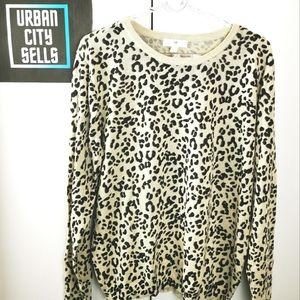 H&M Sweater Leopard Print top sz Large Womens Animal Print Pullover Crewneck
